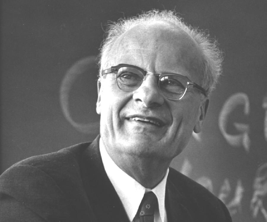Hans Bethe Biography - Childhood, Life Achievements & Timeline