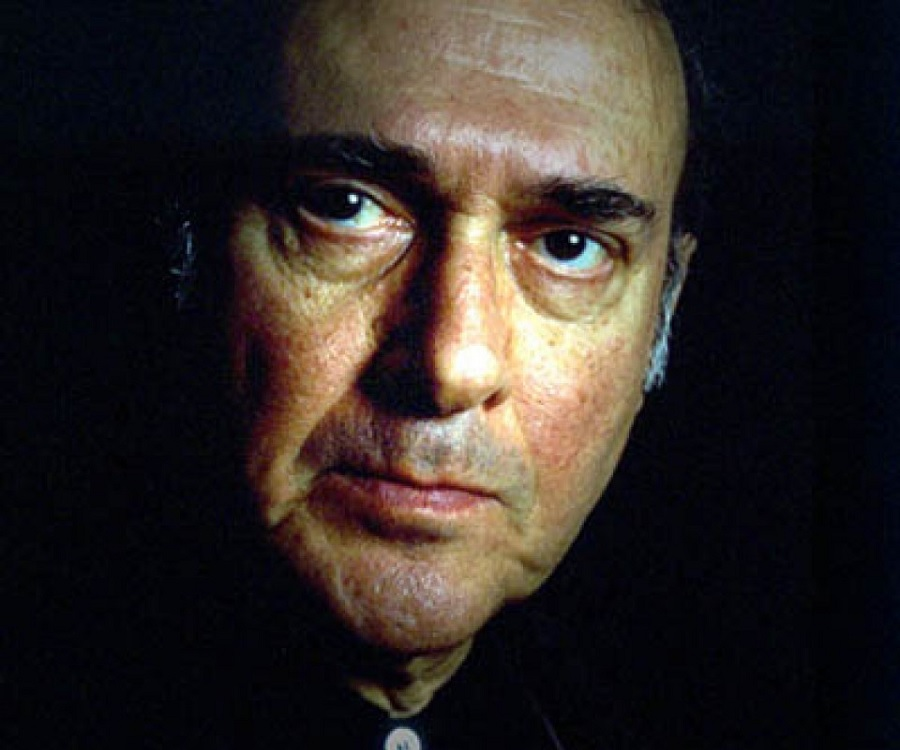a short biography of harold pinter an english playwright Harold pinter's life was as dramatic as his plays were  commander of the order  of the british empire (cbe), 1966 shakespeare prize.