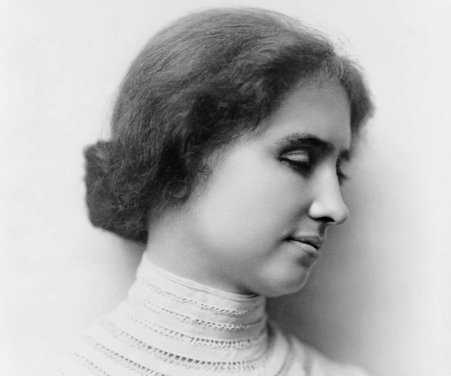 Helen Keller Biography - Helen Keller Life, Childhood and Timeline