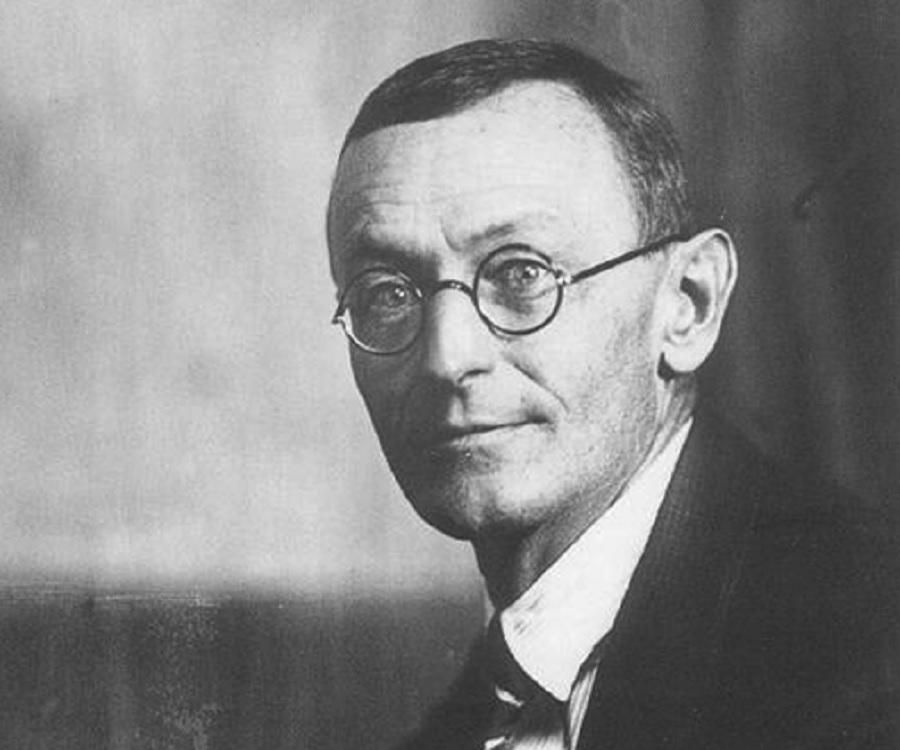 hermann hesse critical essays You see i've been leading a sort of a siddhartha hermann hesse critical essay funny life bierens (david bierens.