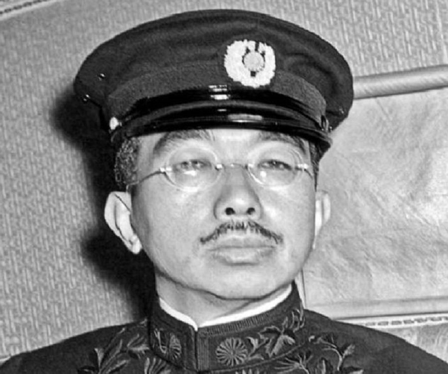 https://www.thefamouspeople.com/profiles/images/hirohito-2.jpg