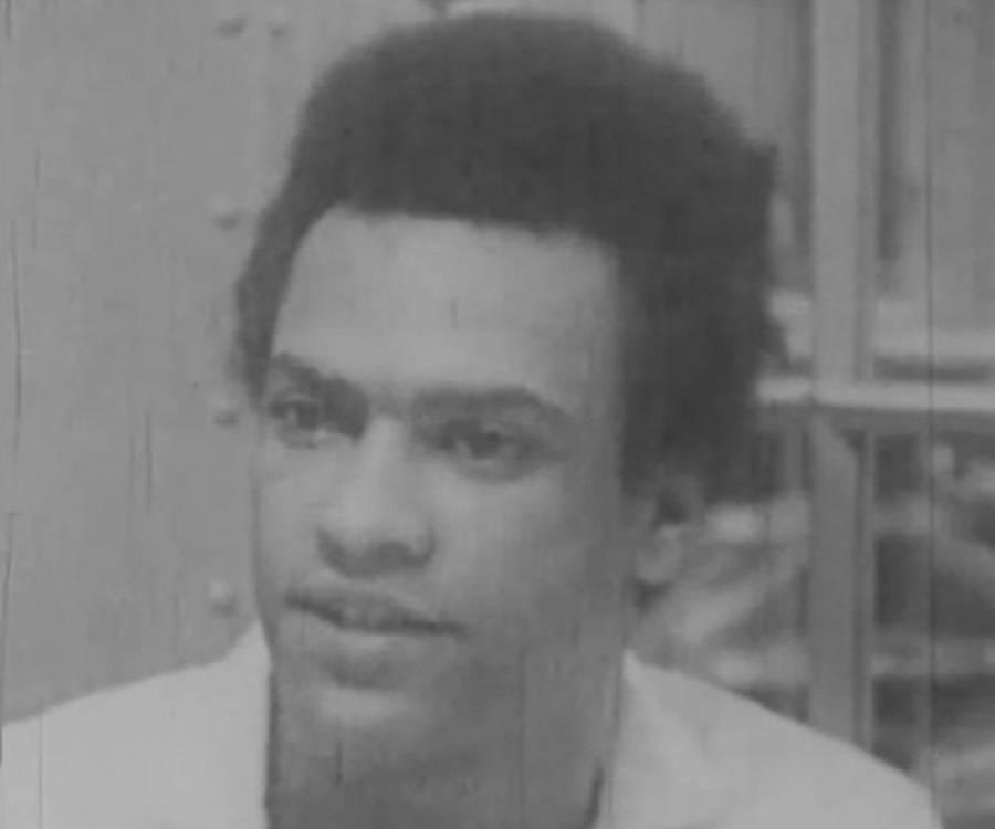 a biography of huey p newton Huey p newton killed video - abc news (aug 22, 1989)  huey p newton speaks at a 1970 news conference - duration: 15:01.