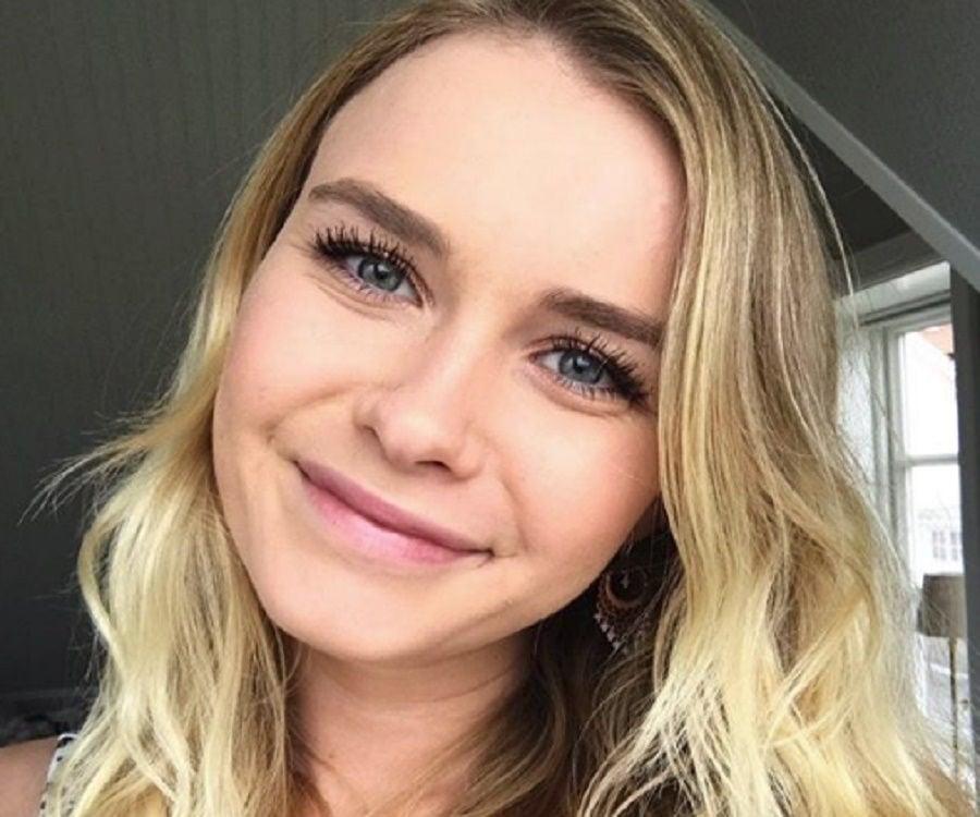 Iamsanna Bio Facts Family Life Of Norwegian Youtuber Gamer