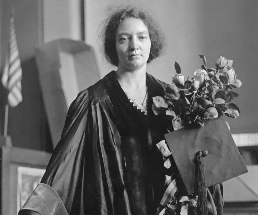 biography marie curie Năm 1903, ông cùng vợ, maria skłodowska-curie (marie curie),  pierre curie's nobel prize official nobel biography biography american institute of physics.