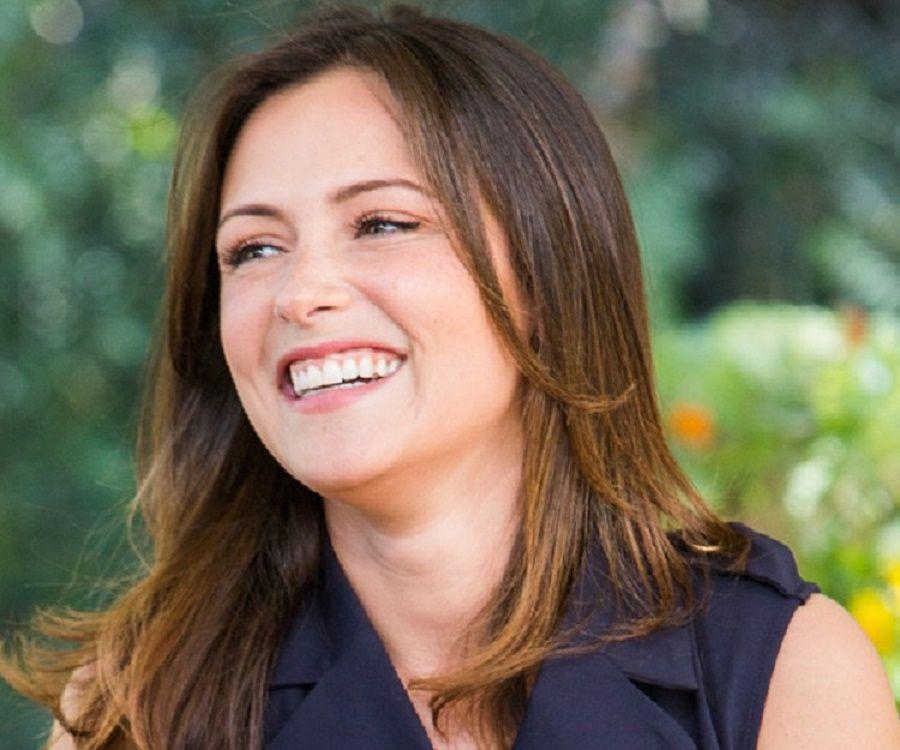Italia Ricci Bio Facts Family Life Of Canadian Actress