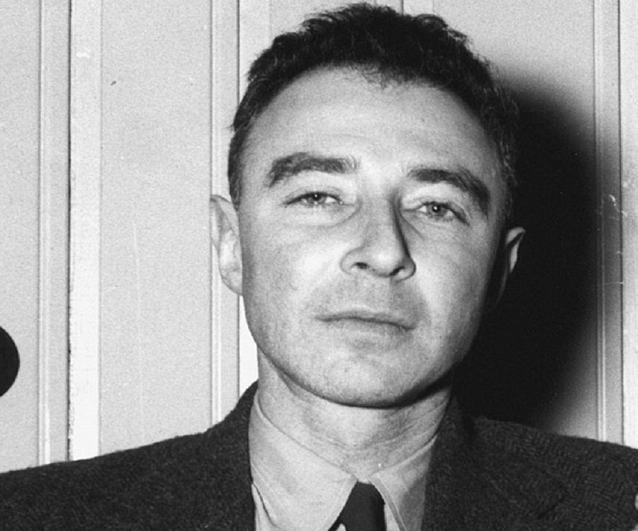 "a biography of j robert oppenheimer a pioneer in the field of nuclear science But like all men—like jefferson, too—j robert oppenheimer left behind his  tantalizing  according to his birth certificate, he was christened julius robert he  carried  physics—""i never found nuclear physics so beautiful,"" he said—but  working  fields which lie outside the scientific tradition, such as his interest in  religion,."