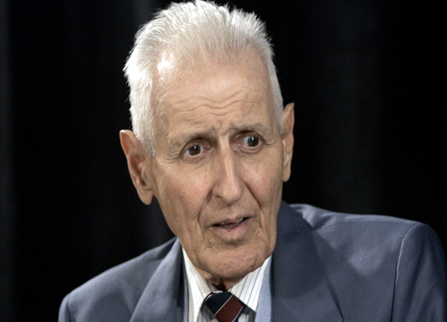 dr death jack kevorkian Dr jack kevorkian -- dubbed dr death by the media -- may have seemed unstoppable in his campaign to assist the terminally ill patients he claims sought his help to end their lives he made it through three acquittals and a mistrial in his quest to help at least 130 people commit.
