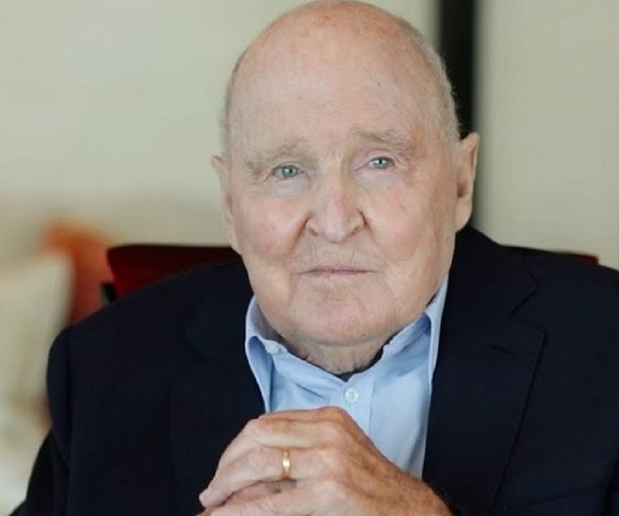 Jack Welch Biography - Childhood, Life Achievements & Timeline