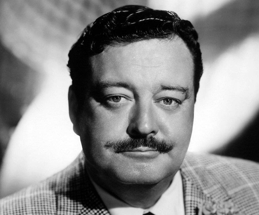 jackie gleason how tall