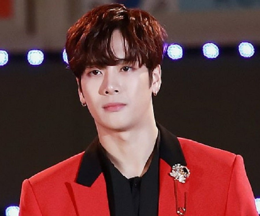 Jackson Wang Biography Facts Childhood Family Life Of Hong Kong Rapper Singer