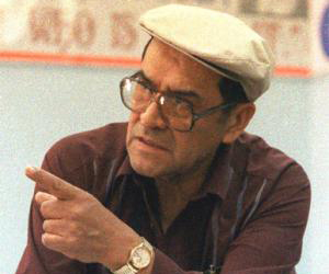 jaime alfonzo escalante Jaime escalante received many teaching awards including the presidential medal of excellence in education a movie about his success, stand and deliver, was released in nineteen eighty-eight it influenced other teachers to use his methods.