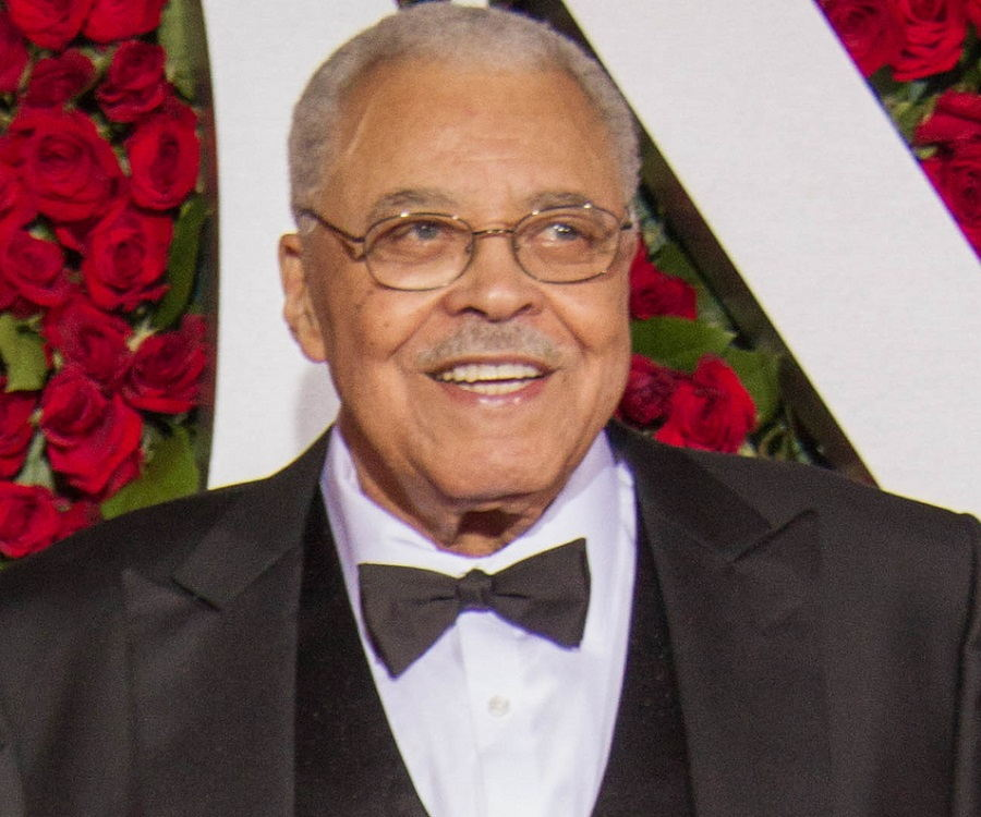James Earl Jones Biography - Childhood, Life Achievements ...
