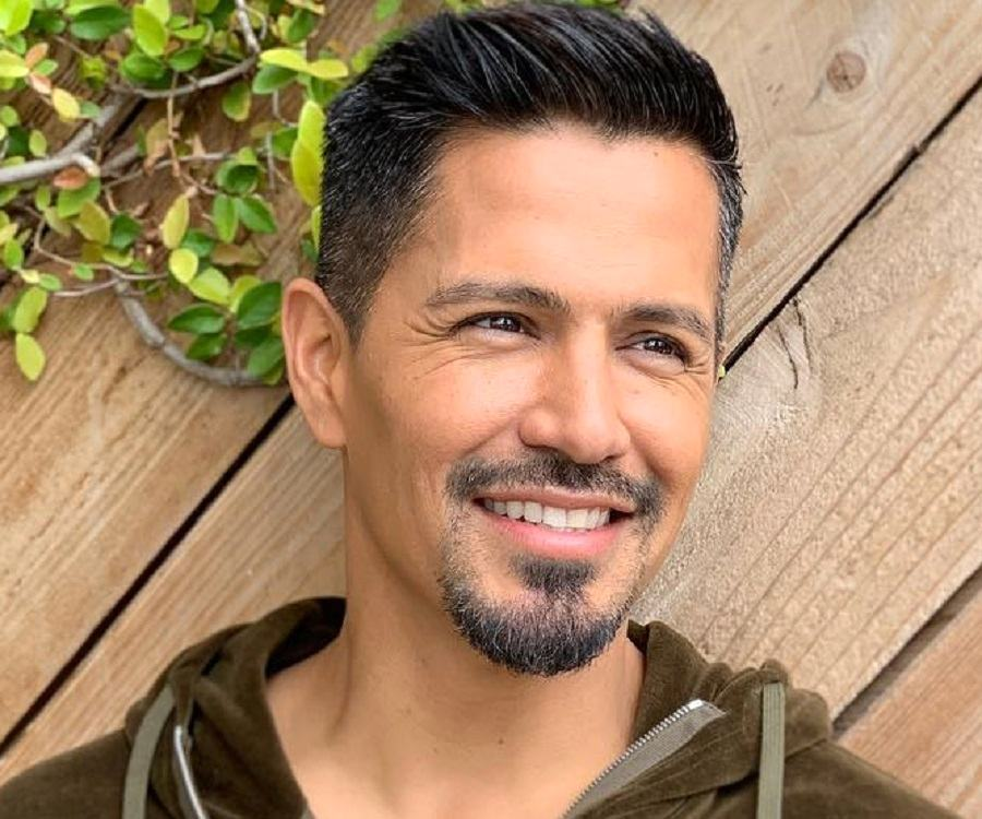 Jay Hernandez Biography - Facts, Childhood, Family Life, Achievements