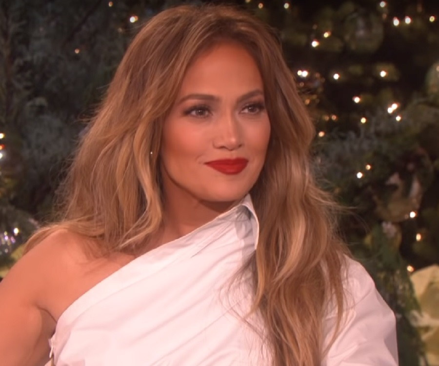 Jennifer Lopez Biography Childhood Life Achievements ...