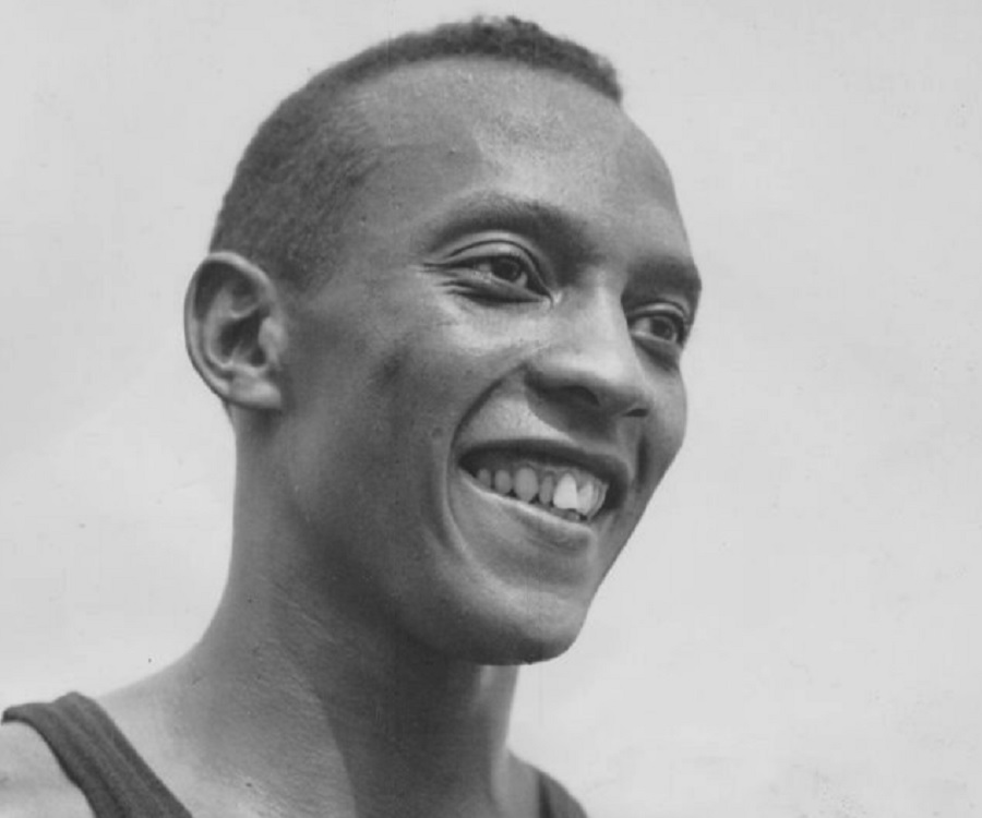 jessie owns Jesse owens biography jesse owens was a track and field star his most famous moment came in the 1936 olympics when he won four gold medals - much to the annoyance of adolf hitler and the nazi party who hoped the olympics would be a showcase for aryan supremacy.