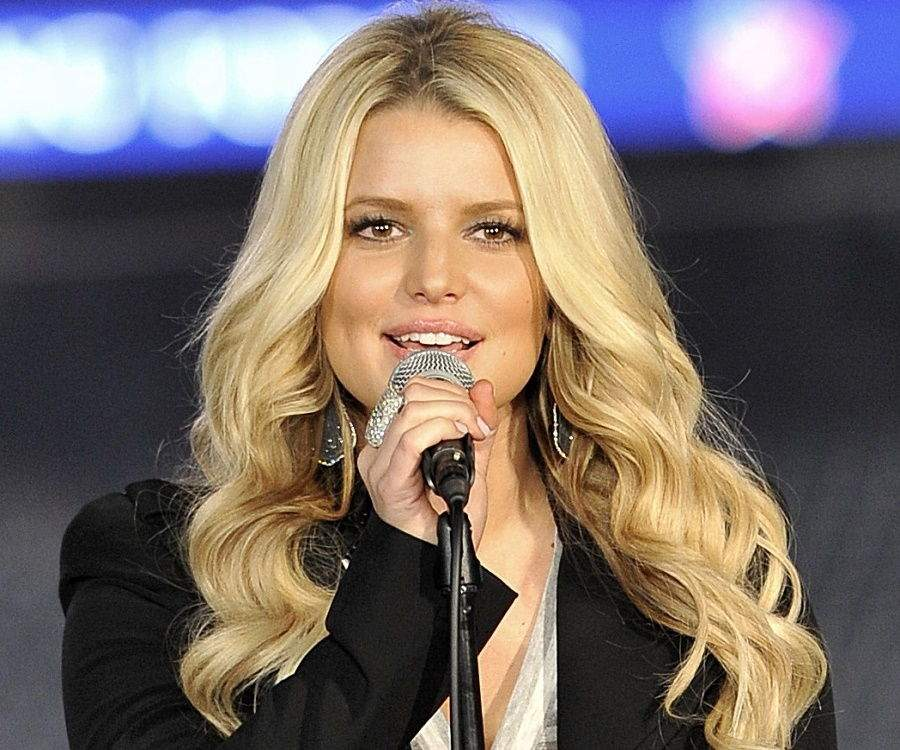 Jessica Simpson Biography - Facts, Childhood, Family Life ...