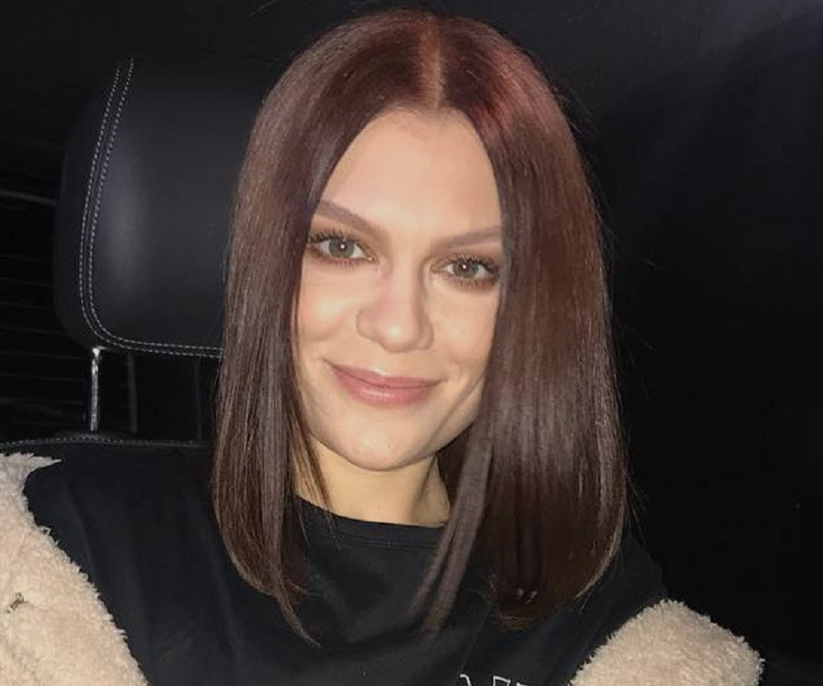 Jessie J Biography - Facts, Childhood, Family Life ...