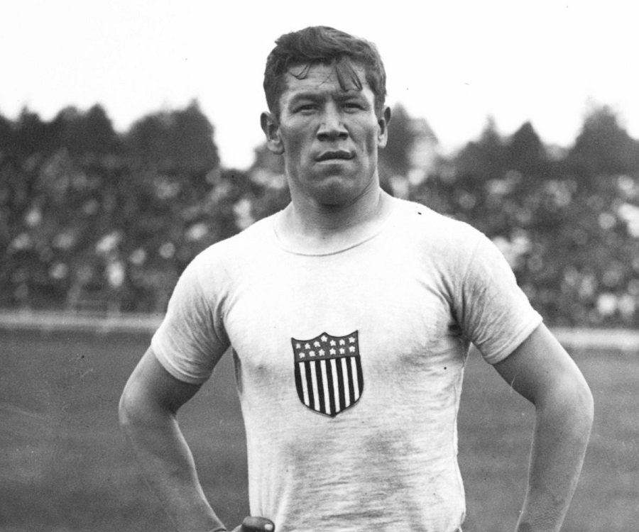 a biography of jim thrope one of the greatest athletes of the 20th century and a legend of american  Describing jim thorpe as a great athlete would be doing him a severe injustice a better description would be calling him the greatest athlete of the 20th century.