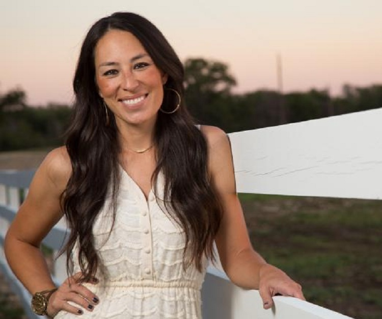 joanna gaines bio facts family life of reality tv personality. Black Bedroom Furniture Sets. Home Design Ideas