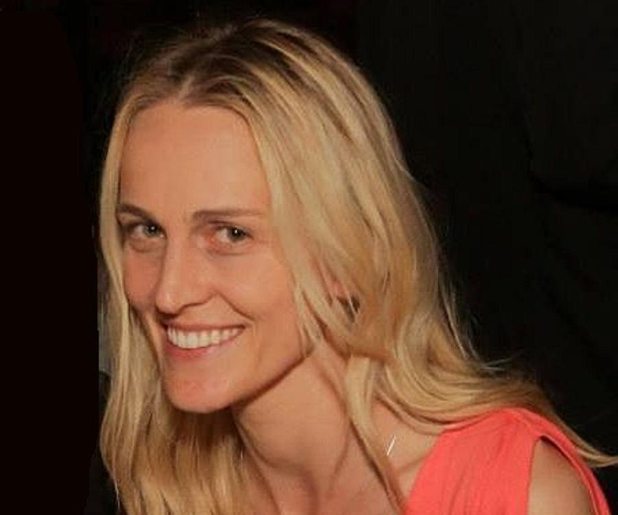 Joanne Tucker