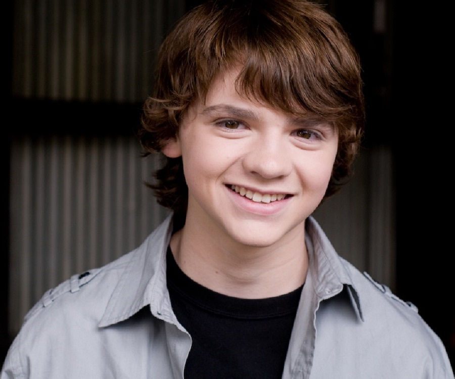 Joel Courtney Biography – Facts, Childhood, Family Life of Actor