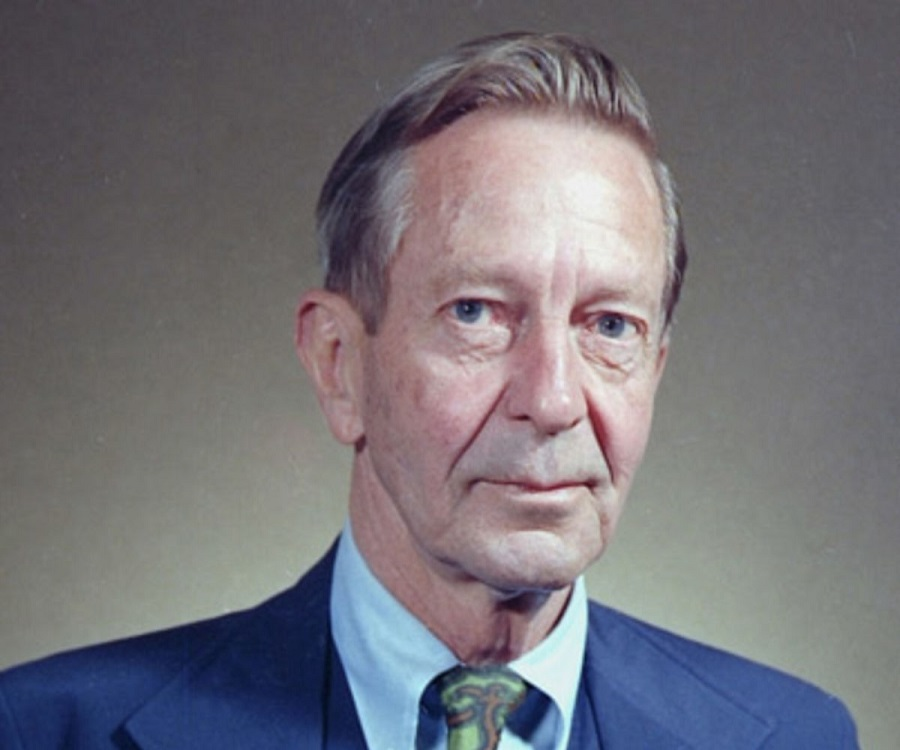 """the theme of mid life crisis in the country husband by john cheever Ordinary paranoia: the frightening similarity of john and claims that cheever's """"crisis crash in cheever's 1955 story """"the country husband."""