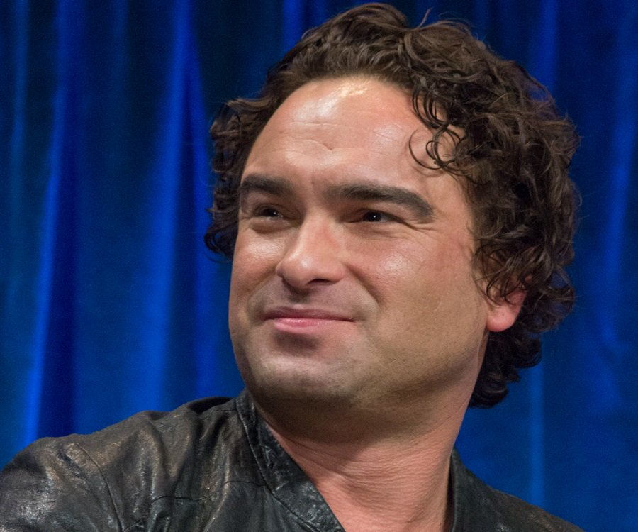 how tall is johnnie galecki