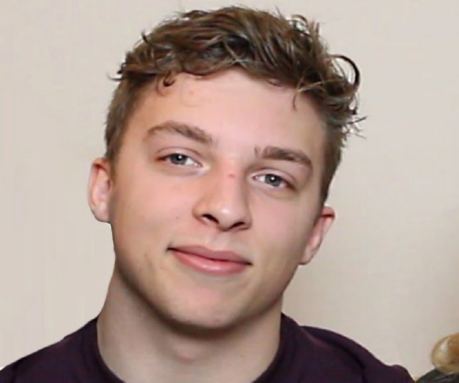 What Was Max Born Famous For >> Josh Temple (Slogoman) - Bio, Facts, Family Life of British YouTube Personality & Gamer