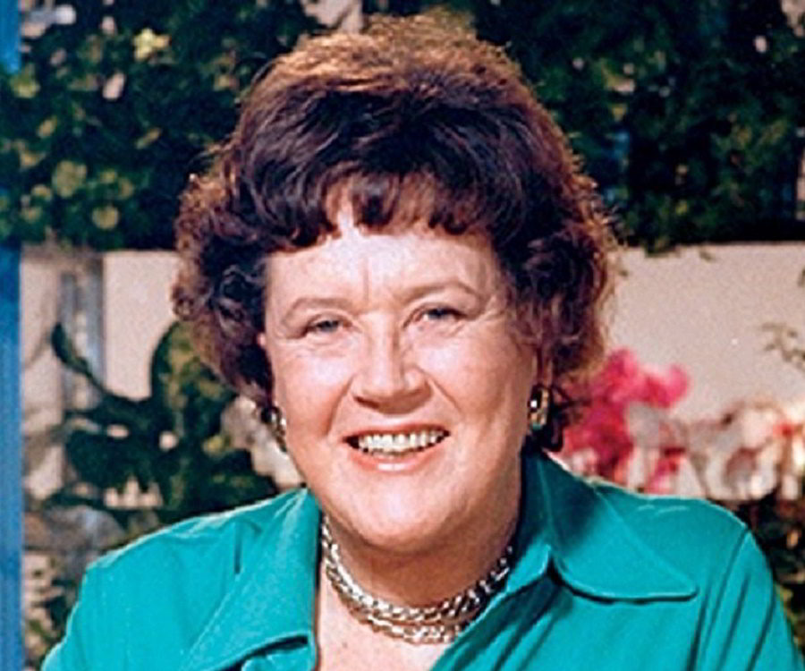 Annies home women in history julia child for Julia child cooking school