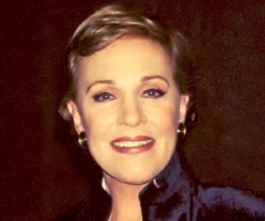 Julie Andrews Biograph...