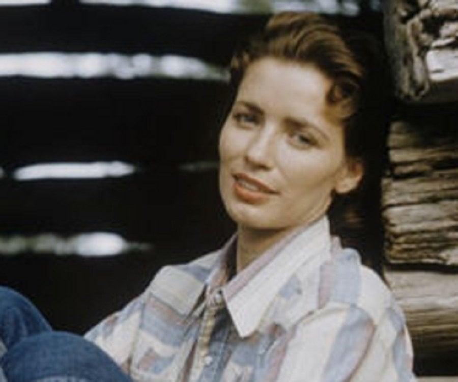 June Carter Cash Biography - Childhood, Life Achievements