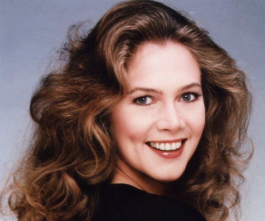 kathleen turner kiss