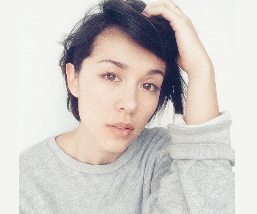 """grannis single girls The recently single joanna (kina grannis)  one of their early viral hits, """"yellow fever,"""" addressed the question of why so many white guys date asian girls, ."""