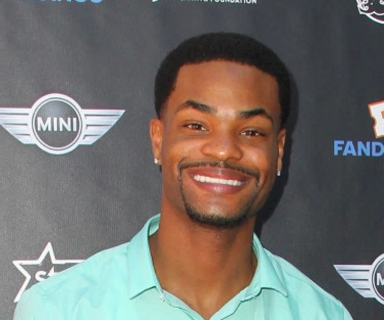 Image of: Compilation King Bach King Bach Refinery29 King Bach andrew King Bachelor Bio Facts Family Life Of Vlogger