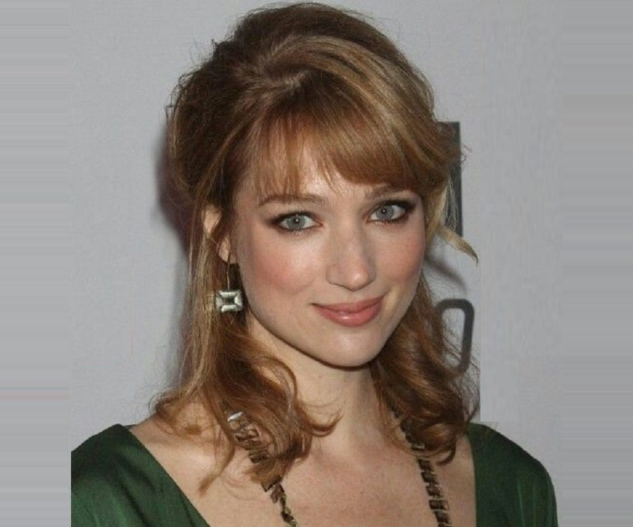 Kristen Connolly Biography - Facts, Childhood, Family Life