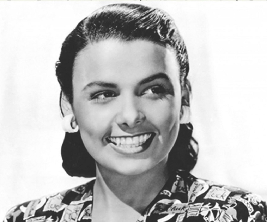 the life and times of lena horne Lena horne was the first black woman to get a  lena horne: a great lady who broke the color line  sissle sat horne down and told her that at all times,.