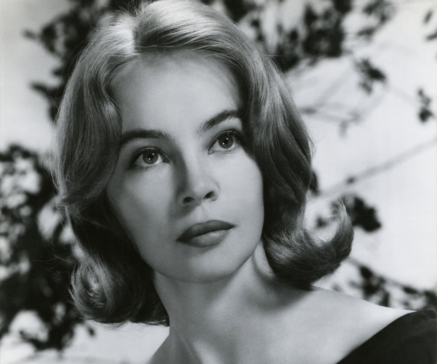 Leslie Caron Nude Photos 4