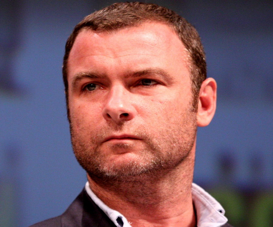 Liev Schreiber Biography - Facts, Childhood, Family Life ...