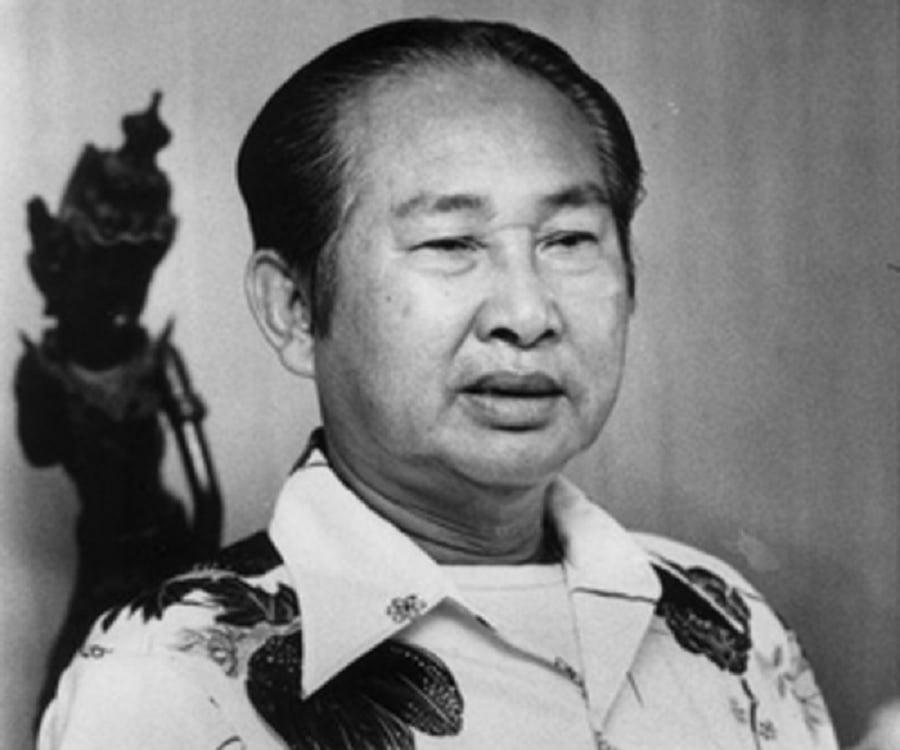 Lon Nol biography