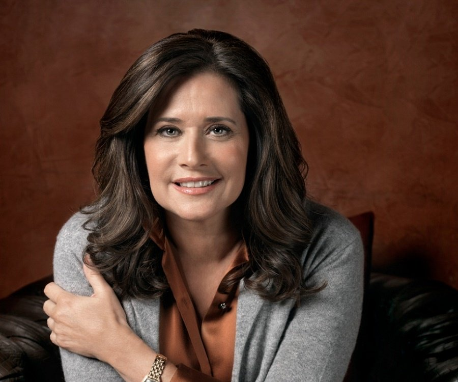 Lorraine Bracco Biography - Facts, Childhood, Family Life ...
