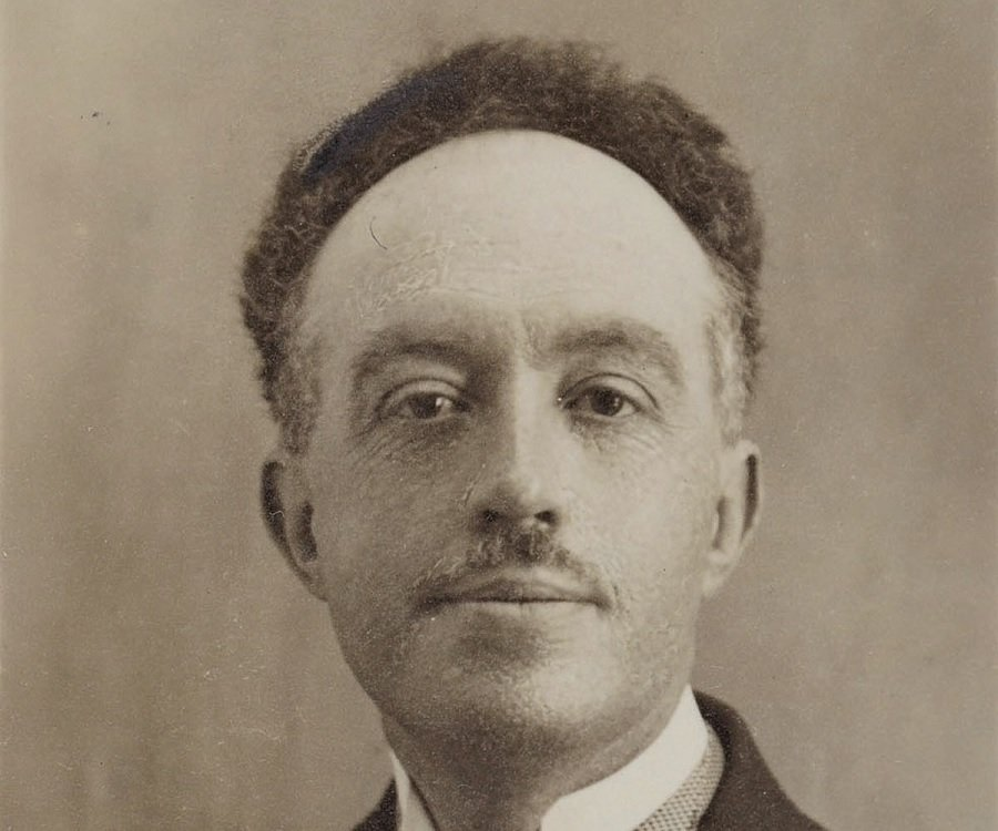 Louis De Broglie Biography - Childhood, Life Achievements ...