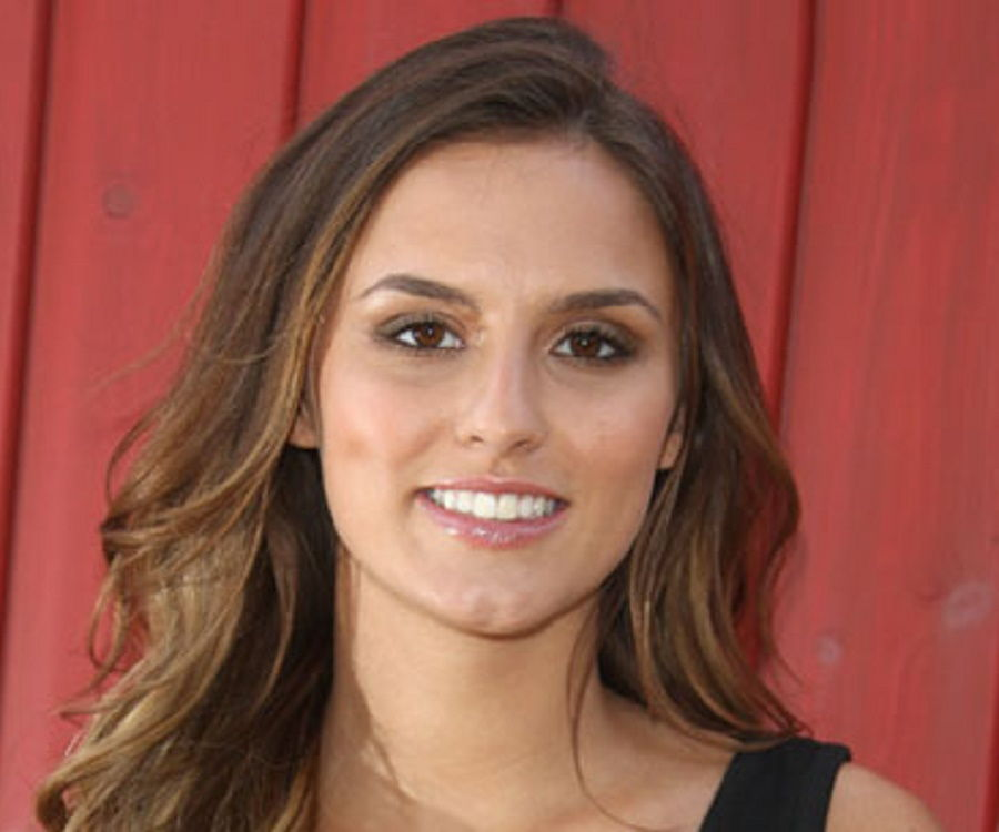 Lucy Watson Biography - Facts, Childhood, Family Life of