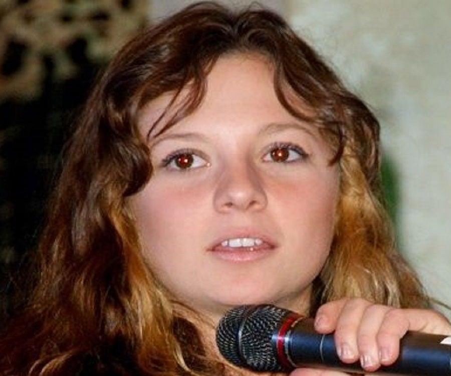 Mackenzie Rosman facebook
