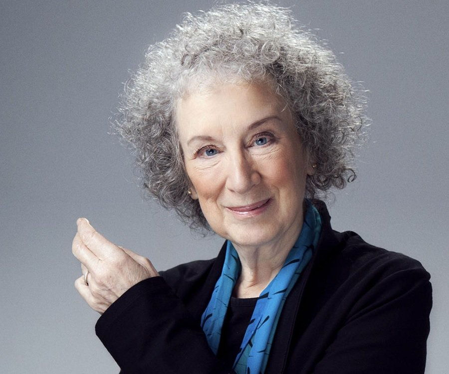 Margaret Atwood Biography - Childhood, Life Achievements & Timeline