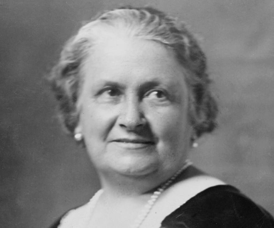 life and works of maria montessori Maria montessori grew up mostly in rome,  maria enrolled in an all boys technical school at age 13,  life & works of dr maria montessori.