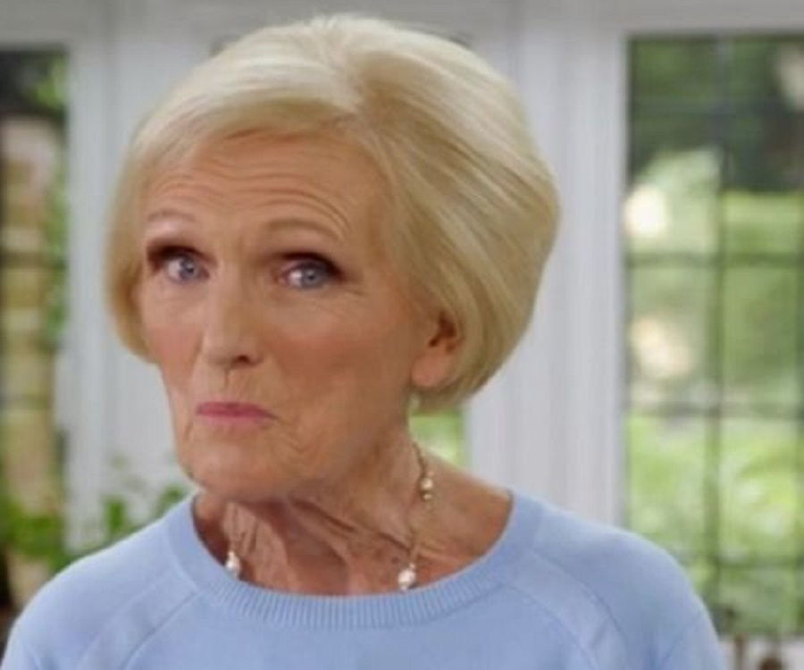 Mary Berry Bio Facts Family Life Of Tv Presenter