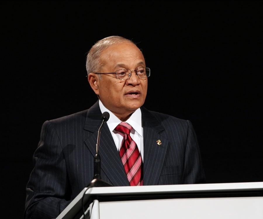 maumoon abdul gayoom biography of michael