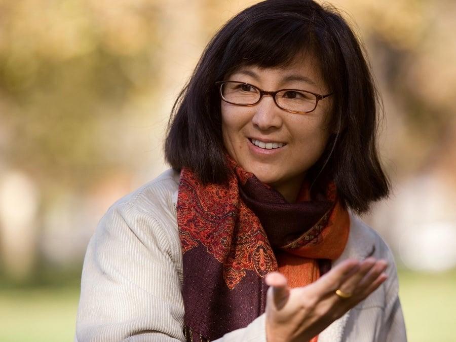 Maya Lin Biography - Childhood, Life Achievements & Timeline