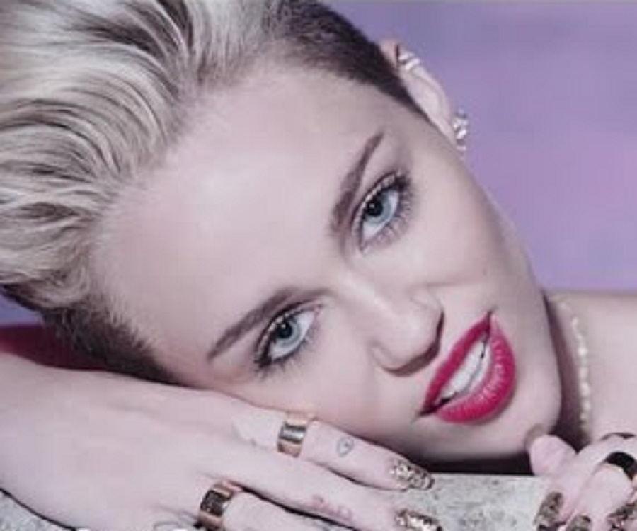 Miley Cyrus Biography ... Miley Cyrus