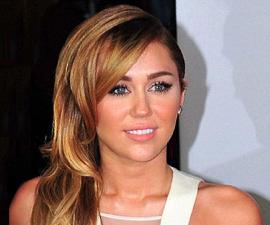 Miley Cyrus ja Nick Jonas dating historia